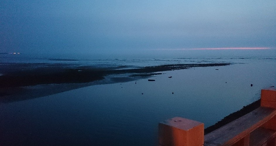 永安漁港の海