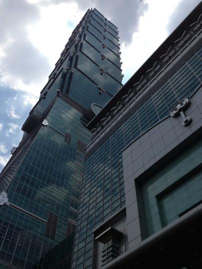 初めての台湾旅行にトンチー(東区)はいかがでしょうか 〜台北101・アイスモンスター〜