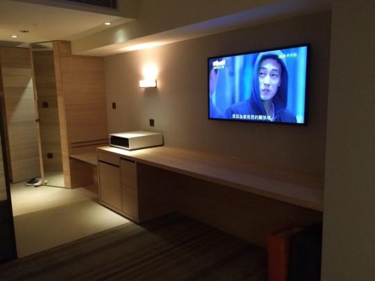 COZZI民生館 大画面テレビ 棚