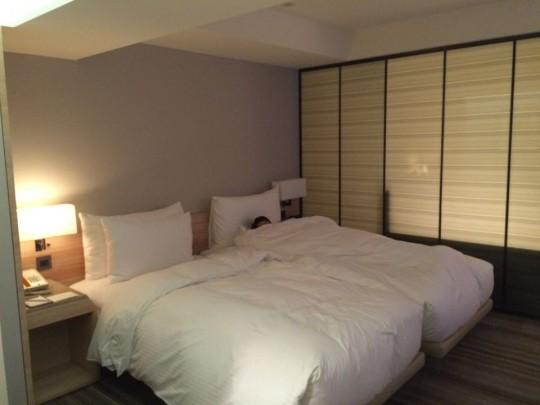 COZZI民生館 ベッド ツインルーム