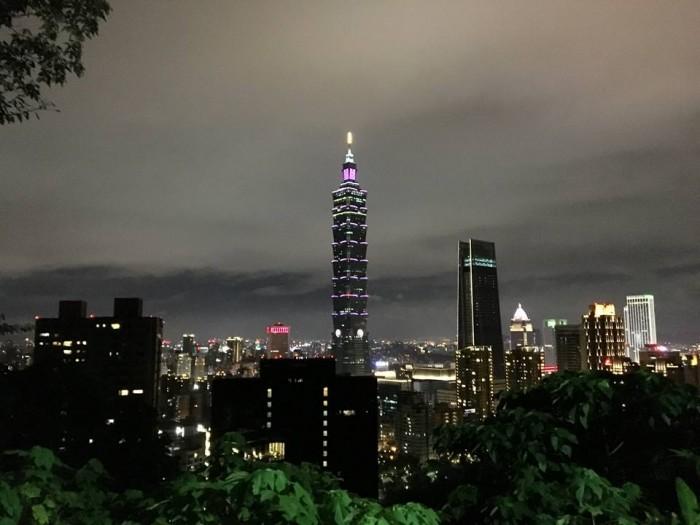 台北101が綺麗に見える「象山」の夜景はおすすめ!台北中心地から歩いて行ける自然スポット