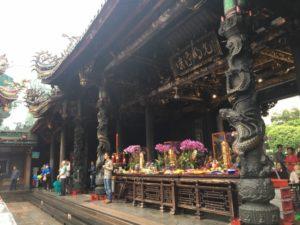 【台北】龍山寺の観光方法と周辺のおすすめスポット・グルメをまとめました